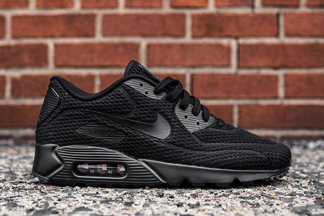 nike air max 90 triple black price