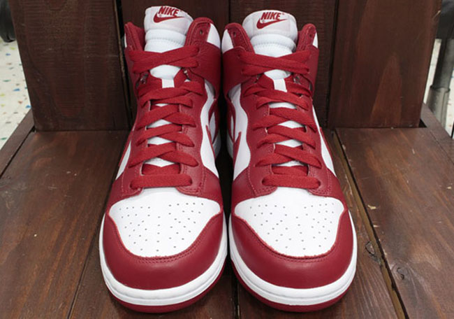 Nike Dunk Be True School White Red