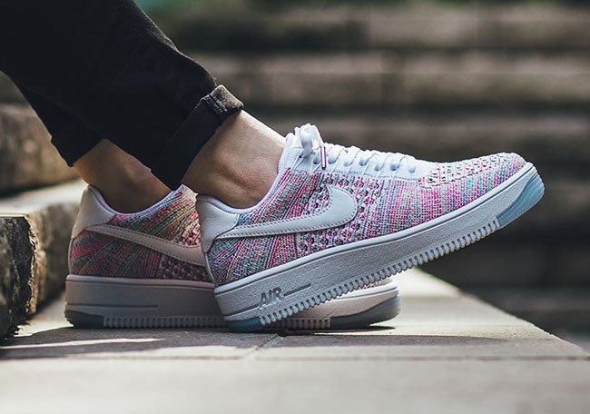 Nike WMNS Air Force 1 Low Flyknit White Radiant Emerald