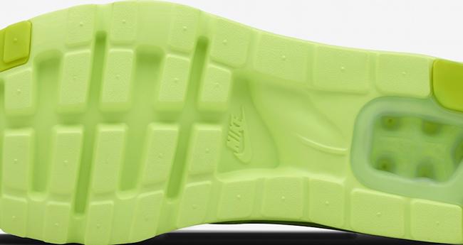 NikeID Air Max Zero