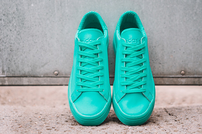 adidas Court Vantage Adicolor Shock Mint