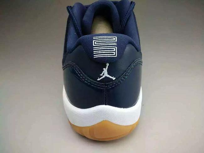 Air Jordan 11 Low Midnight Navy Gum