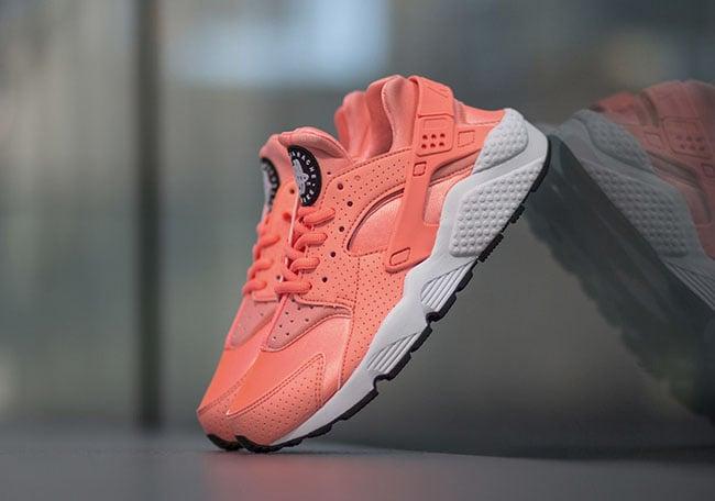 Nike Air Huarache Atomic Pink