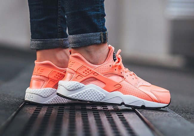 55440b3e7964 Nike Air Huarache Atomic Pink