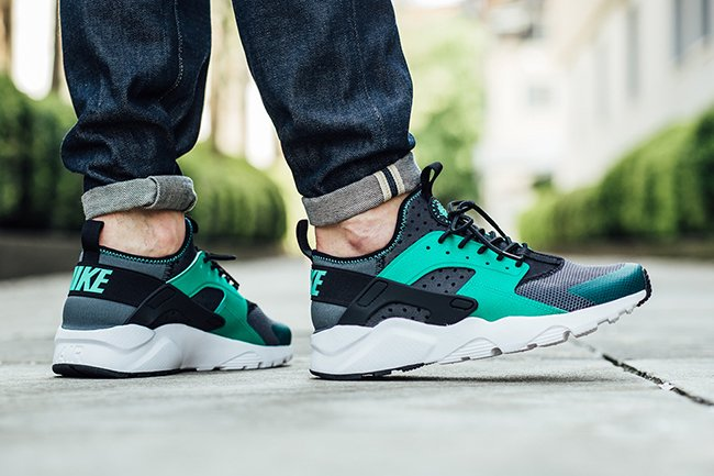 Photo Blue Highlights The Nike Air Huarache Ultra