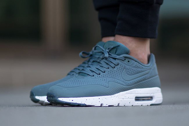 Nike Air Max 1 Ultra Moire Hasta | SneakerFiles