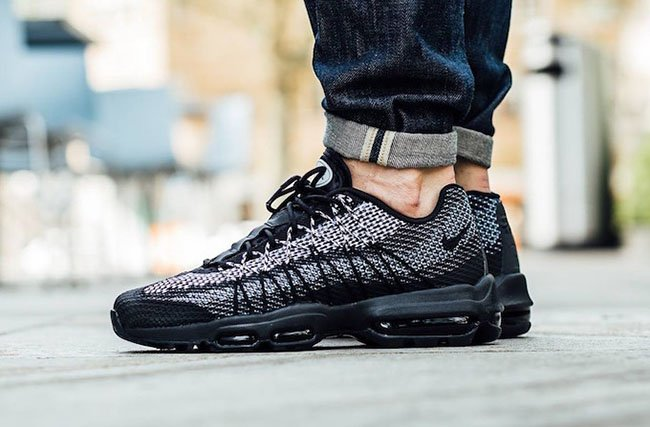 air max 95 ultra jacquard red and black