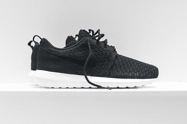 Nike Roshe NM Flyknit Pack Black