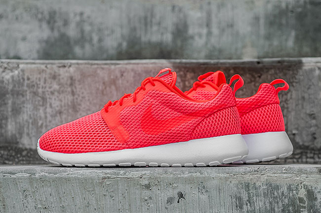 cheap for discount 40ac0 3d41e Nike Roshe One HYP Breathe Total Crimson | SneakerFiles