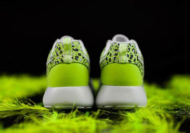 Nike Roshe One White Ghost Green