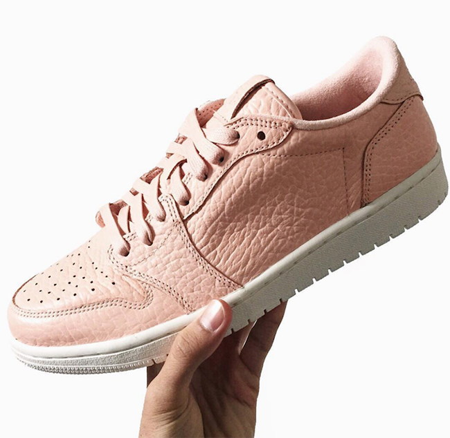 Air Jordan 1 Low No Swoosh Pink