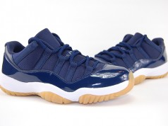 Air Jordan 11 Low Midnight Navy Gum Review