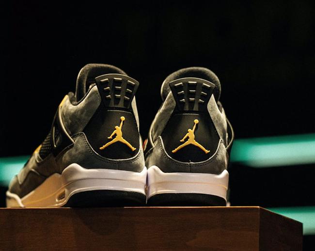 Air Jordan 4 Trophy Room
