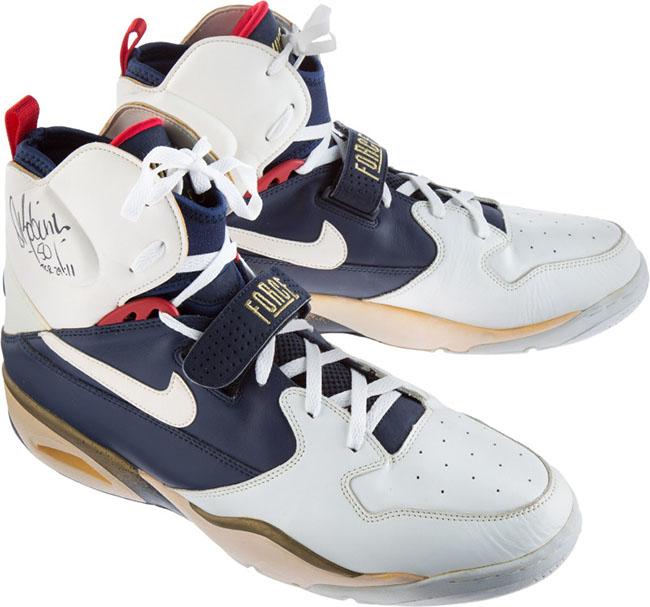 David Robinson Nike Air Ballistic Force