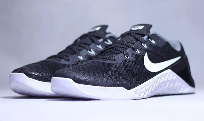 pick up 06433 d4f23 Nike Metcon 3 Black White