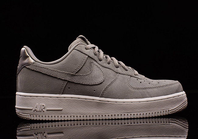 check out 05f9c 53dc6 Nike WMNS Air Force 1 Premium Suede Medium Grey