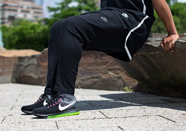 Nike Zoom All Out Flyknit Black Grey Neon Pink Release