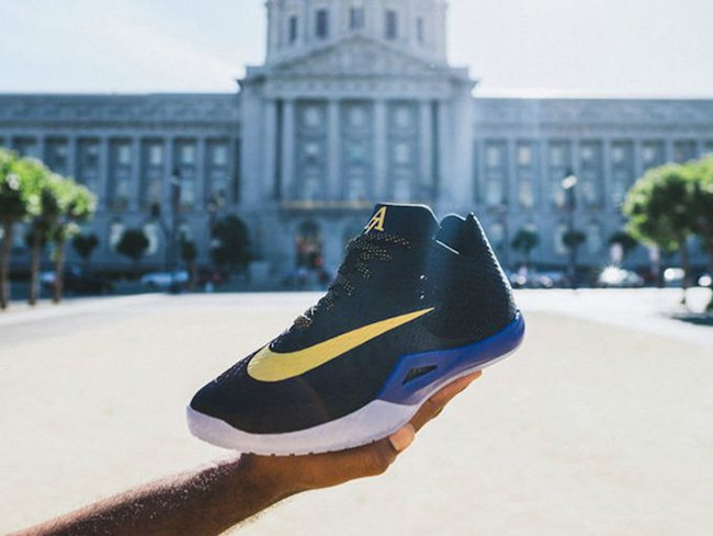 Andre Iguodola Designed a Golden State Warriors Themed Nike