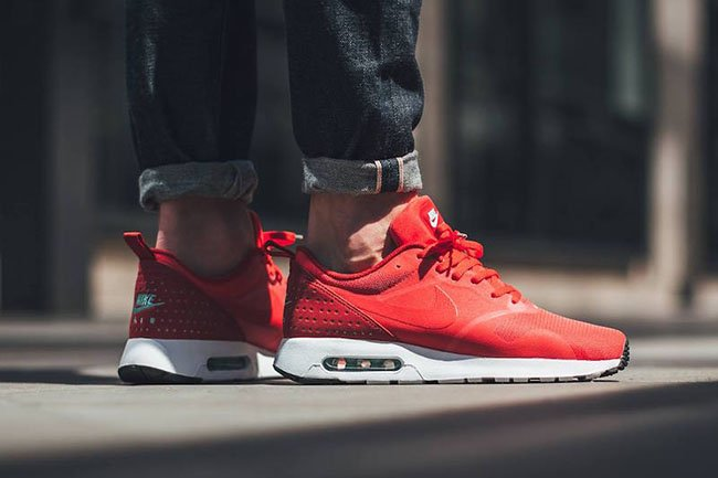 Nike Air Max Tavas Action Red