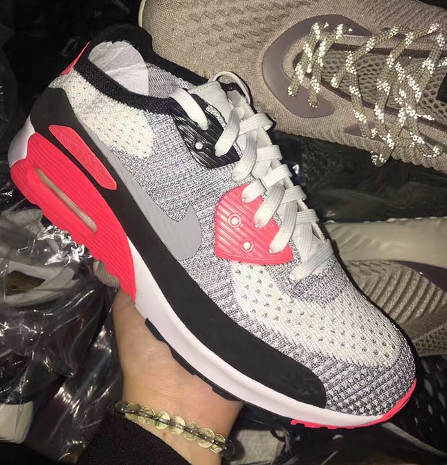 Nike Flyknit Air Max 90 Infrared