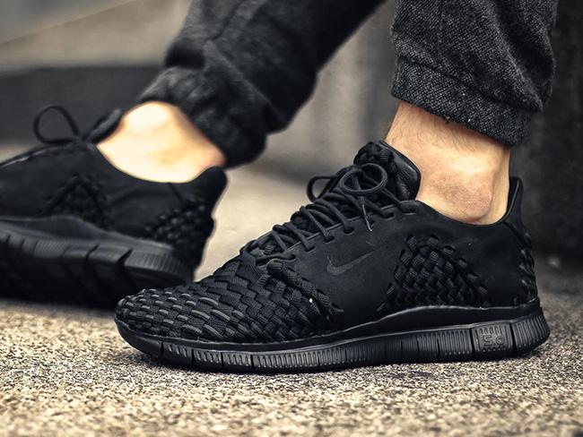 Nike Free Inneva Woven 2 Triple Black On Feet