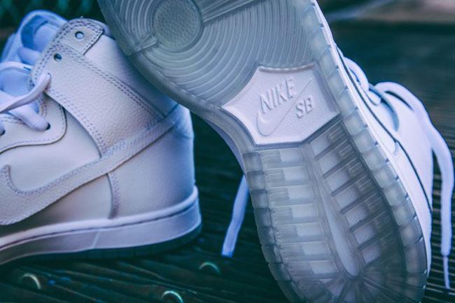 Nike SB Dunk High White Light Base Grey