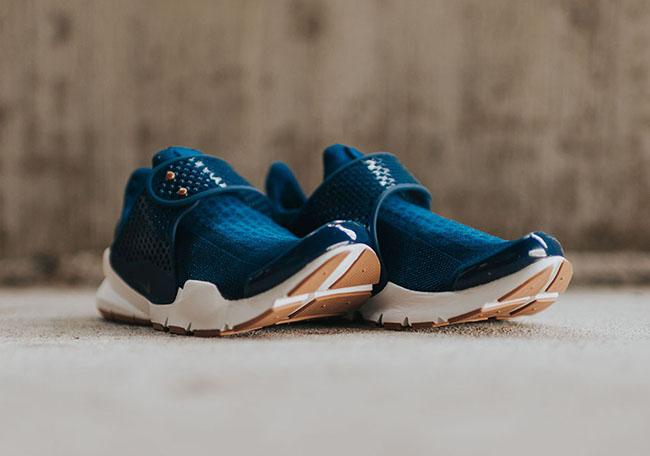 Nike Sock Dart Coastal Blue Obsidian Gum