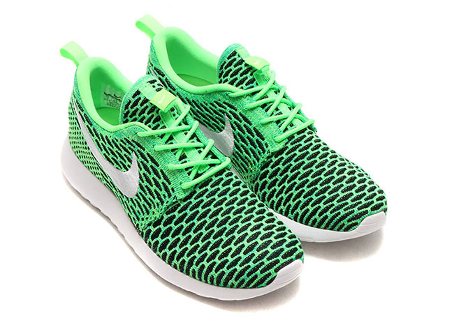 Nike WMNS Roshe One Flyknit Voltage Green