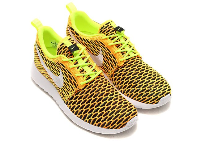 Nike WMNS Roshe One Flyknit Total Orange