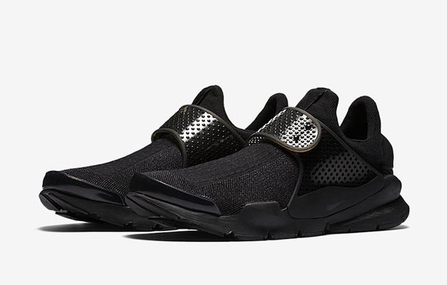 Triple Black Nike Sock Dart