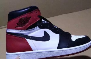 Air Jordan 1 High Black Toe 2016