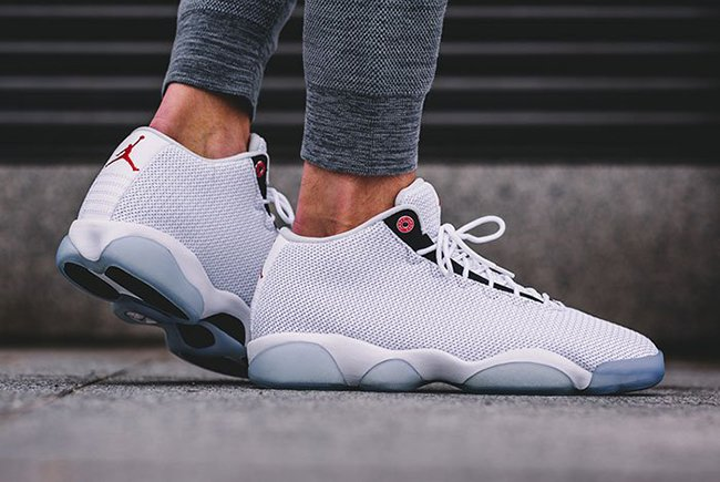 Jordan Horizon Low Pure Platinum