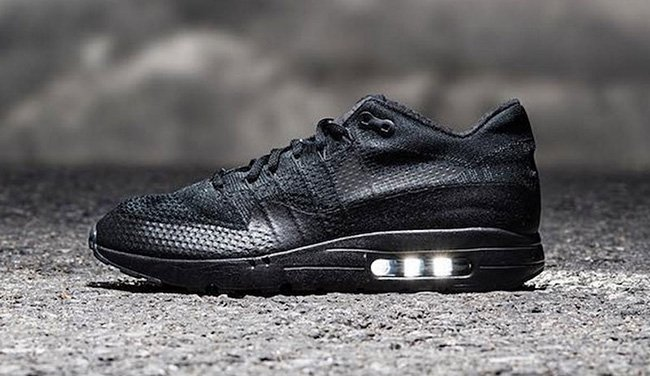 84d7f0c1a572 Nike Air Max 1 Ultra Flyknit Triple Black