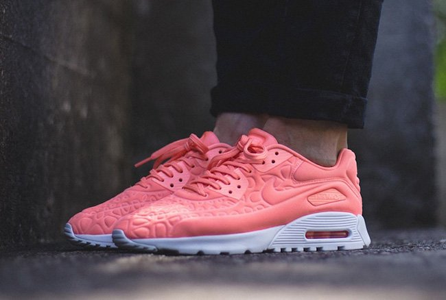timeless design 29fd4 794e5 Nike Air Max 90 Ultra Plush Atomic Pink