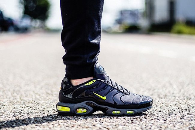 the best attitude 2a3d8 a8515 Nike Air Max Plus Tuned 1 Dark Grey Volt Black | SneakerFiles