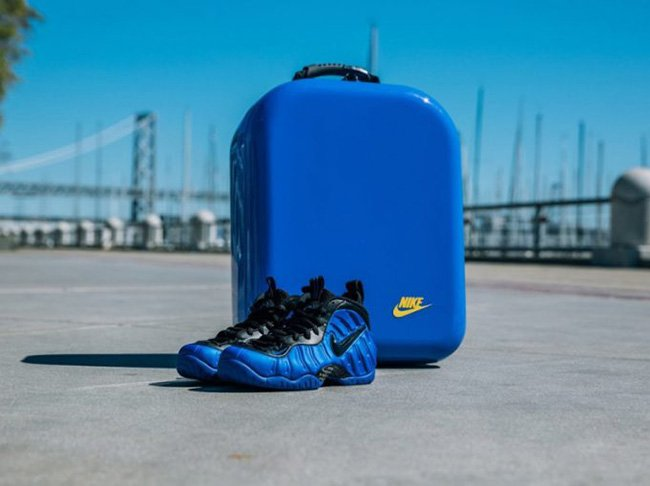 Nike Foamposite Pro Hyper Cobalt Golden Air Packaging Box