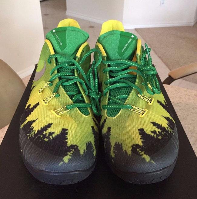Nike Hyperchase Oregon Ducks PE