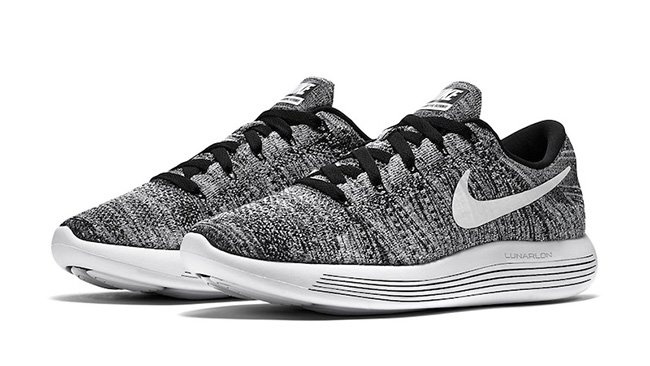 newest 43f21 a9e66 Nike LunarEpic Flyknit Low Oreo Black White