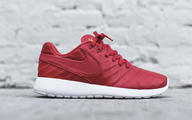 3ad8b3e36751 Nike Roshe Tiempo VI University Red