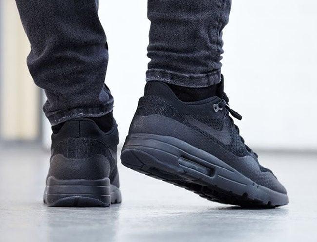 Triple Black Nike Air Max 1 Ultra Flyknit