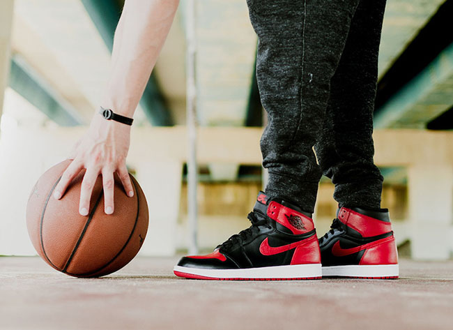 Air Jordan 1 Retro High OG Banned On Feet df2fa01d9c85