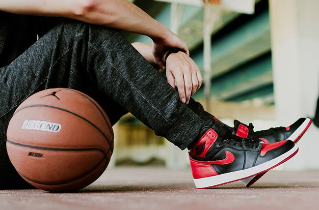 Air Jordan 1 Retro High OG Banned On Feet