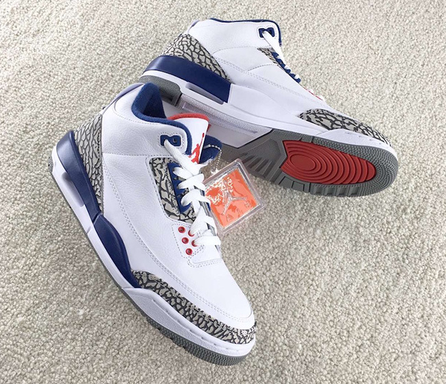 323f60af586106 Air Jordan 3 OG True Blue Black Friday