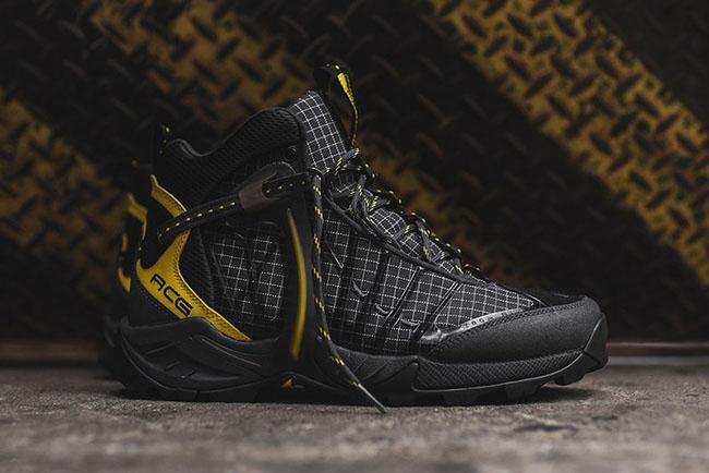 Nike ACG Air Zoom Tallac Lite OG Black Gold