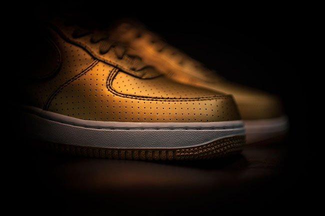 Nike Air Force 1 07 LV8 Olympic Gold