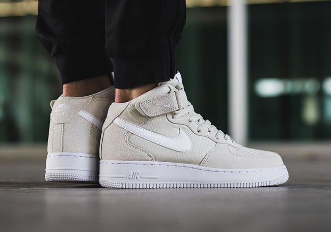 Nike Air Force 1 Mid Light Bone