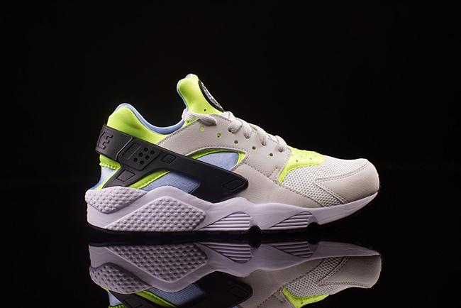 Nike Air Huarache Volt