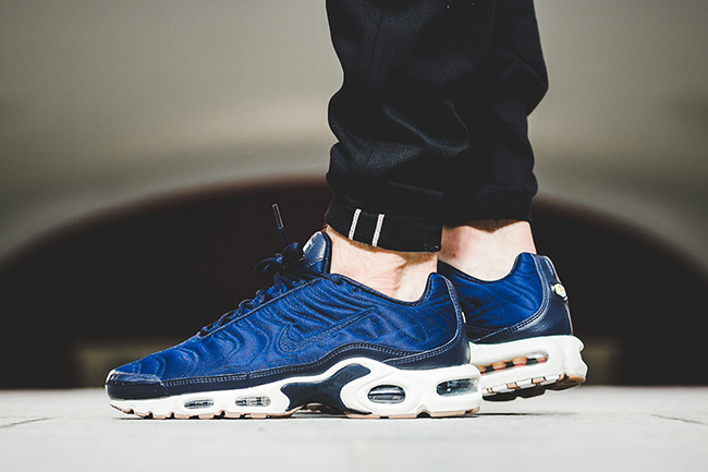 purchase cheap e3c21 b745a Nike Air Max Plus Premium Coastal Blue | SneakerFiles