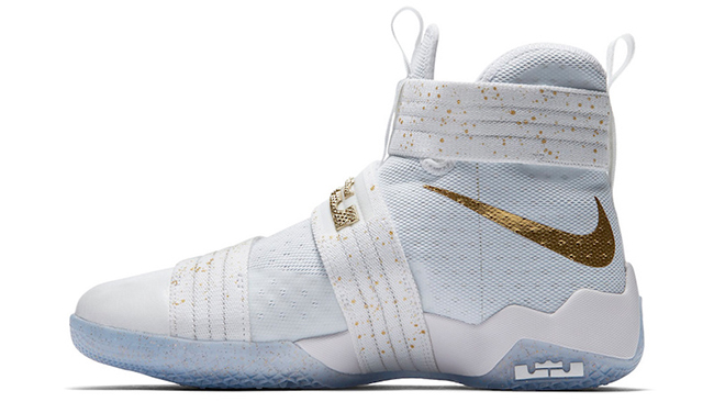 Nike Basketball LeBron Soldier 10 Gold Medal