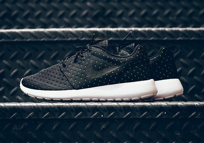 Nike Roshe One Perf Dot Pack Black